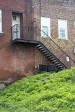 Escalier noir de sortie de secours photos libres de droits