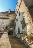 Escalier principal au château de son image stock