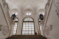 Escalier principal dans le palais de belvédère à Vienne images stock