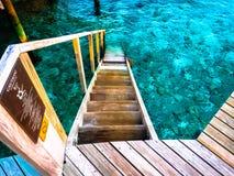 Escalier vers l'océan Photographie stock libre de droits