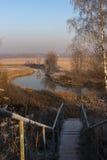 Escalier vers la rivière Image libre de droits