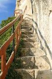 Escaliers au monastère de roche photo stock