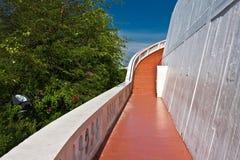 Escaliers au support d'or Photos libres de droits