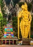 escaliers colorés des cavernes de batu malaysia images stock