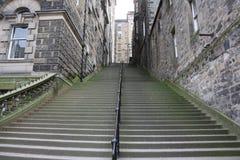 Escaliers d'allée photographie stock libre de droits