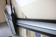 Escaliers d'ascenseur d'handicap dans la construction Photographie stock