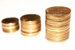 Escaliers d'or de pièces de monnaie Photo libre de droits