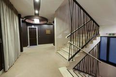 Escaliers d'hôtel photo stock
