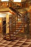 Escaliers dans l'hôtel Photographie stock libre de droits