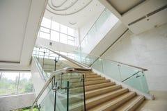 Escaliers dans l'hôtel Photographie stock
