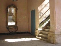 Escaliers dans la construction historique Image libre de droits