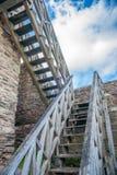 Escaliers de château au ciel Photographie stock libre de droits