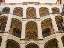 Escaliers de cour de dello Spagnuolo, Rione SanitÃ,Naples, Italie de Palazzo Photographie stock libre de droits