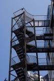 Escaliers de sortie de secours photos stock