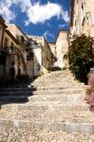 Escaliers de village de l'Italie Scalea image stock
