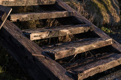 Escaliers en bois extérieurs Images libres de droits