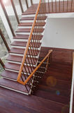 Escaliers en bois intérieurs Photos libres de droits