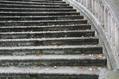 Escaliers en pierre ronds photo libre de droits