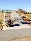 Escaliers et un puits Photo libre de droits