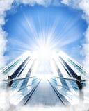 Escaliers faits de nuages au ciel Images libres de droits