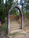 Escaliers impressionnants à la montagne images libres de droits