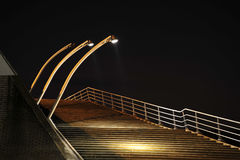Escaliers la nuit Image stock