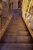 Escaliers métalliques sur une usine photo libre de droits