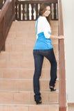 escaliers marchant vers le haut Photos stock