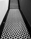 Escaliers modernes de bureau Photos libres de droits