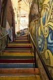 Escaliers multicolores à Valparaiso Chili Photo libre de droits