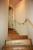 Escaliers non finis pour la nouvelle construction à la maison Photos libres de droits