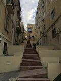 Escaliers publics faits sur commande de rue d'architecture de Msida Images libres de droits