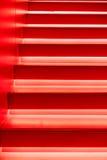 Escaliers rouges modernes abstraits Image libre de droits