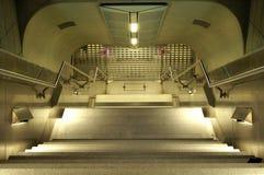 Escaliers vers le bas photographie stock libre de droits