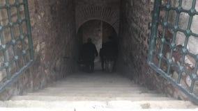 Escaliers vers le bas banque de vidéos