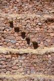 Escalones de piedra, paredes de piedra del inca Imagen de archivo
