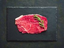 Escalope negro fresco crudo de la carne de vaca de angus Imágenes de archivo libres de regalías