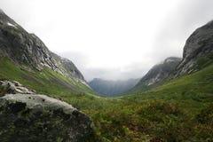 Escandinávia, o vale da pesca à corrica Imagens de Stock