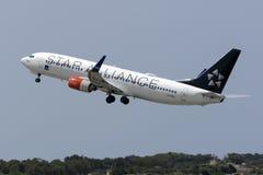 Escandinavo (SAS) 737 que descolam Fotografia de Stock Royalty Free