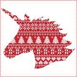 Escandinavo, teste padrão sem emenda de costura do Natal do inverno nórdico do estilo que inclui flocos de neve, corações, presen Foto de Stock Royalty Free