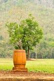 Escaninho de lixo de madeira Imagem de Stock Royalty Free