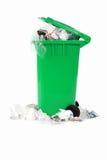 Escaninho de lixo de transbordamento Imagem de Stock