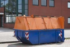 Escaninho de lixo industrial Fotos de Stock