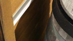 Escaninho de reciclagem de madeira video estoque