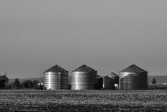 Escaninhos da grão em South Dakota fotos de stock royalty free
