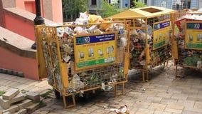 Escaninhos de lixo vídeos de arquivo