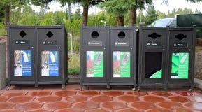 Escaninhos de reciclagem da garrafa Fotos de Stock