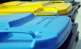 Escaninhos plásticos dos desperdícios Fotografia de Stock Royalty Free