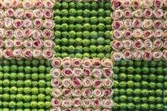 Escaparate adornado con adornos florales en Bruselas, Bélgica Fotografía de archivo