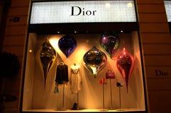 Escaparate de la tienda de la moda de Dior Fotos de archivo